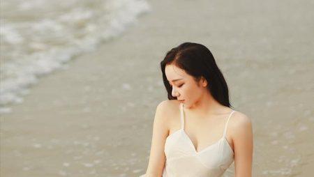 Nhã Tiên Hot Girl Ngủ Gật với thân hình nóng bỏng